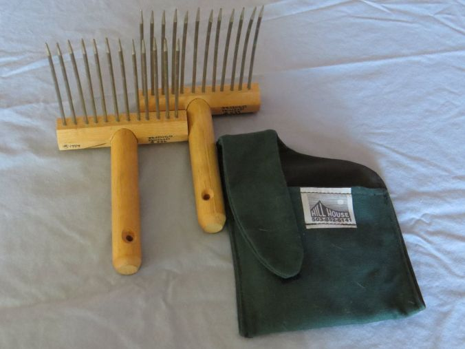 viking-wool-combs-1